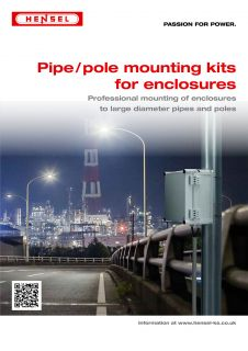Pipe / pole mounting kits for enclosures